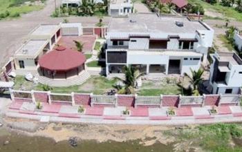 Senadora construye casa de playa sin permiso - Permisos para construir una casa ...