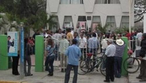Liberan oficinas del ayuntamiento en bano for Oficinas del ayuntamiento